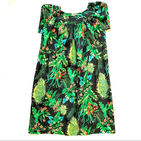 Made in Hawaii Dresses & Skirts - Made in Hawaii Green Floral Dress   Size 10